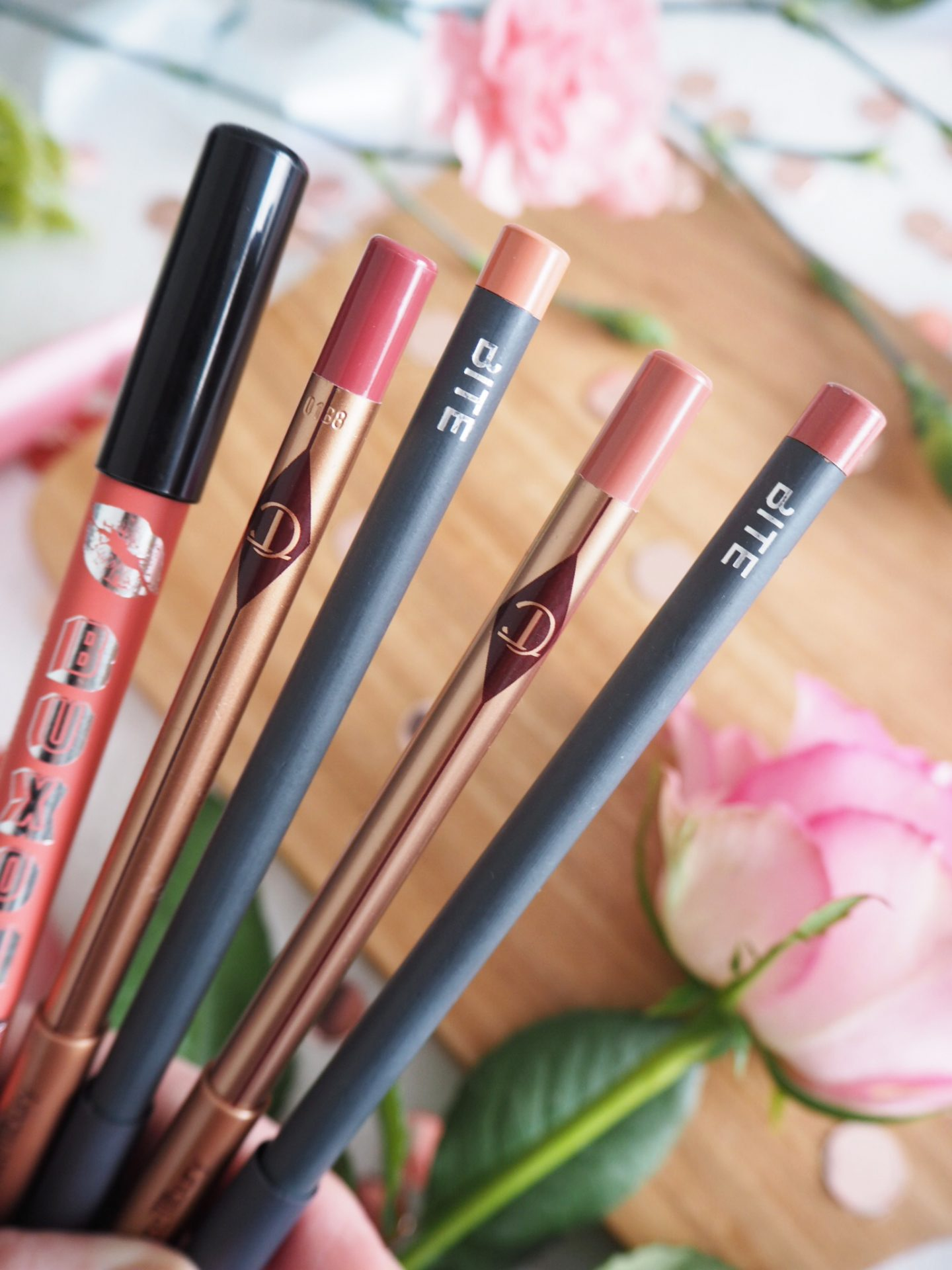 Top five 5 lip liners Buxom Confidential, Bite Beauty 010, Bite Beauty 004, Charlotte Tilbury Pillow Talk, Charlotte Tilbury Bond Girl